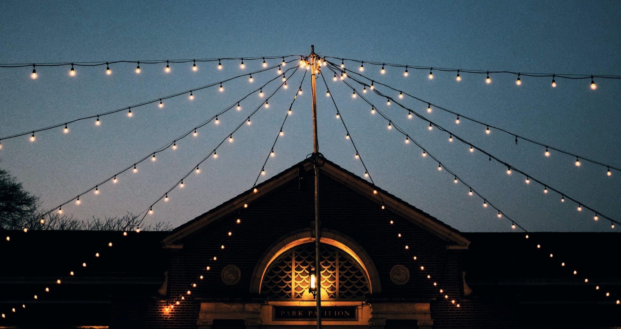 guirlandes-guinguette-comité-des-fêtes-chapiteau-mariage-blanc-chaud-landes-40
